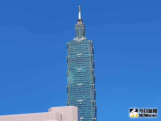 ▲今年第18號颱風「米塔」過去 3 小時強度又略為增強,台北101之商場、觀景台及高樓餐廳今(30)日暫停營業。(圖/NOWnews資料照片)