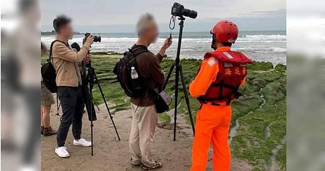 拍照不顧公德心 CNN票選秘境綠石槽遭遊客踐踏