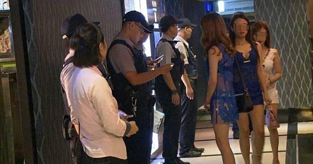 台南23歲爆乳妹私下接客!酒駕吸毒撞死婦人 翹腳滑手機:大陣仗